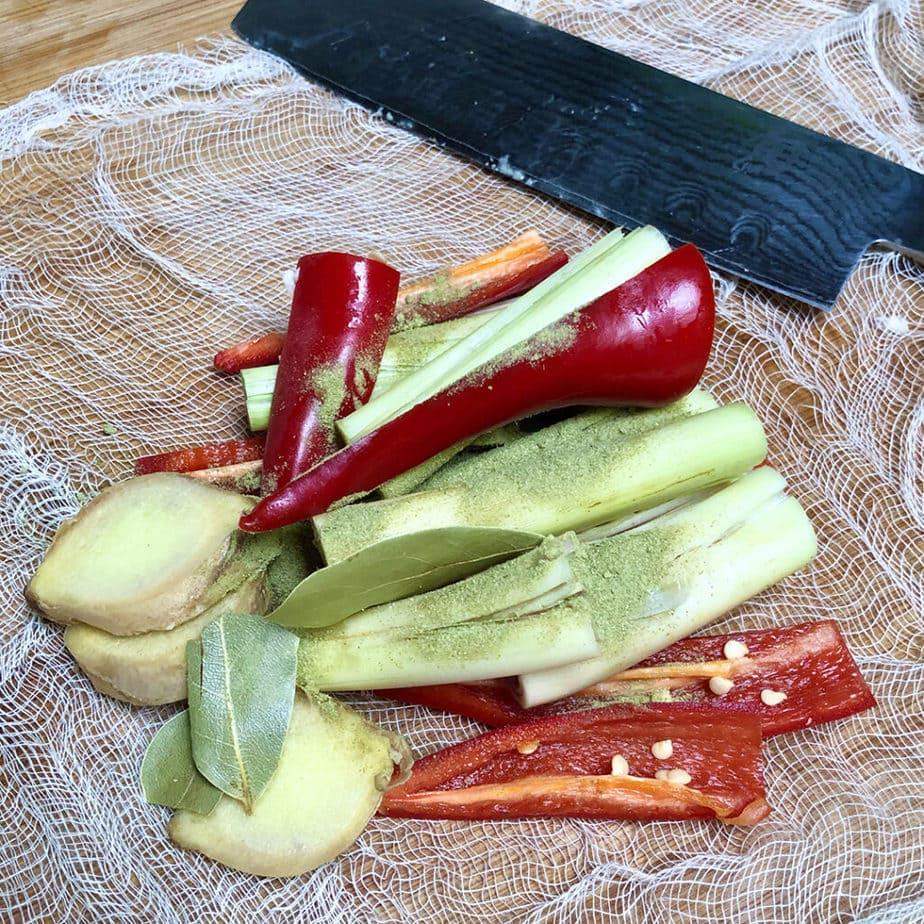 lemon grass red peppers garlic sliced