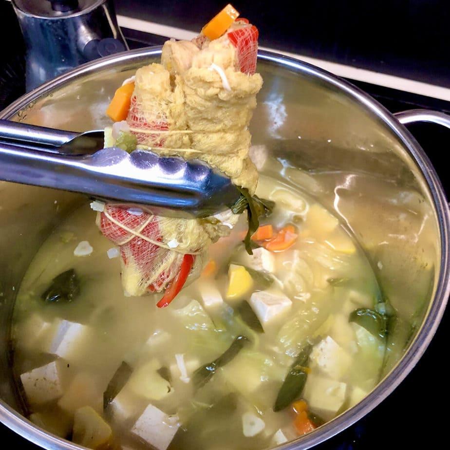 removing sachet from pot