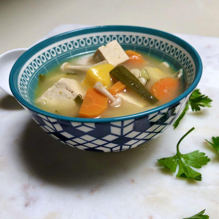 easy vegan tom yum soup