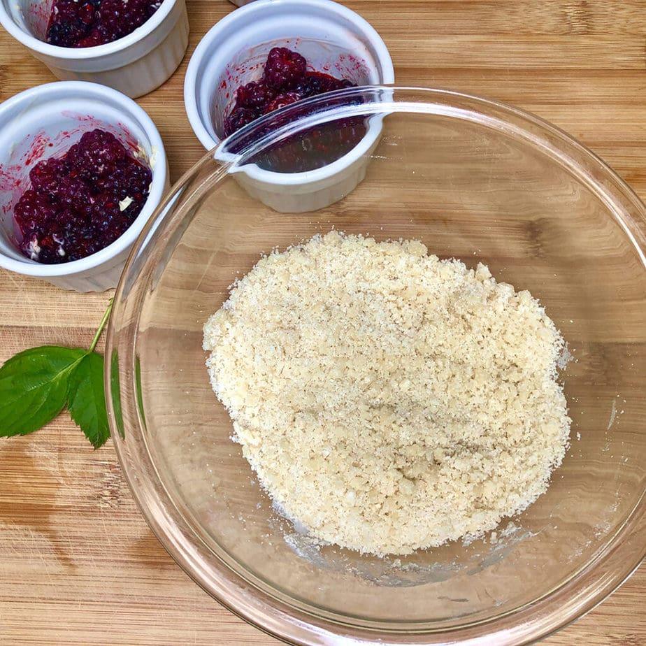 Vegan berry cobbler topping