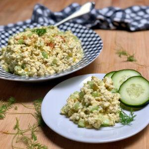 easy vegan egg salad on plates